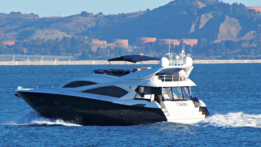Powerboats And Motor Yachts Get Trained Be Safe The